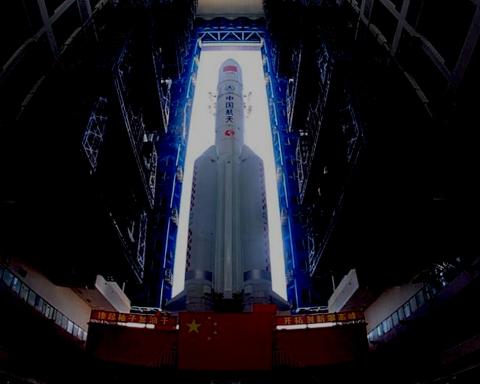 """Chine : Fusée """"Longue Marche 5"""" - Crédit photo : Agence spatiale chinois."""