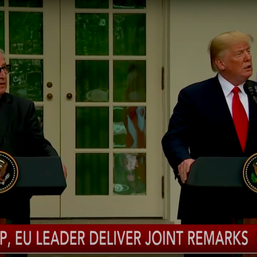 Jean-Claude Juncker et Donald Trump — Image Capture d'écran de CBS TV
